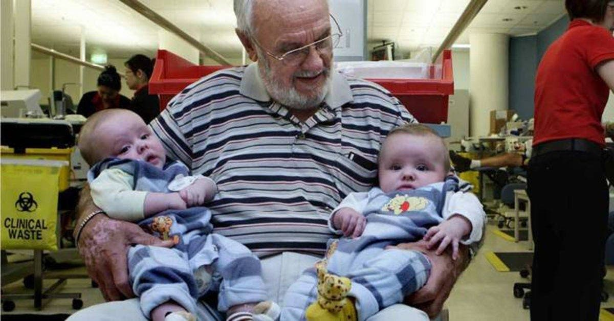 Il a donné son sang chaque semaine pendant 60 ans et a sauvé la vie de 2.4 millions de bébés