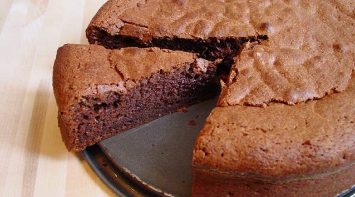 La célèbre recette du gâteau au chocolat sans sucre, sans beurre, sans oeufs