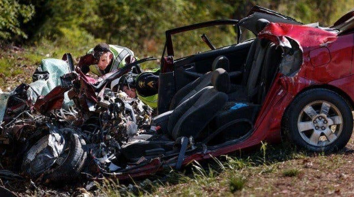 a police trouve une femme de 32 ans morte dans un accident de voiture