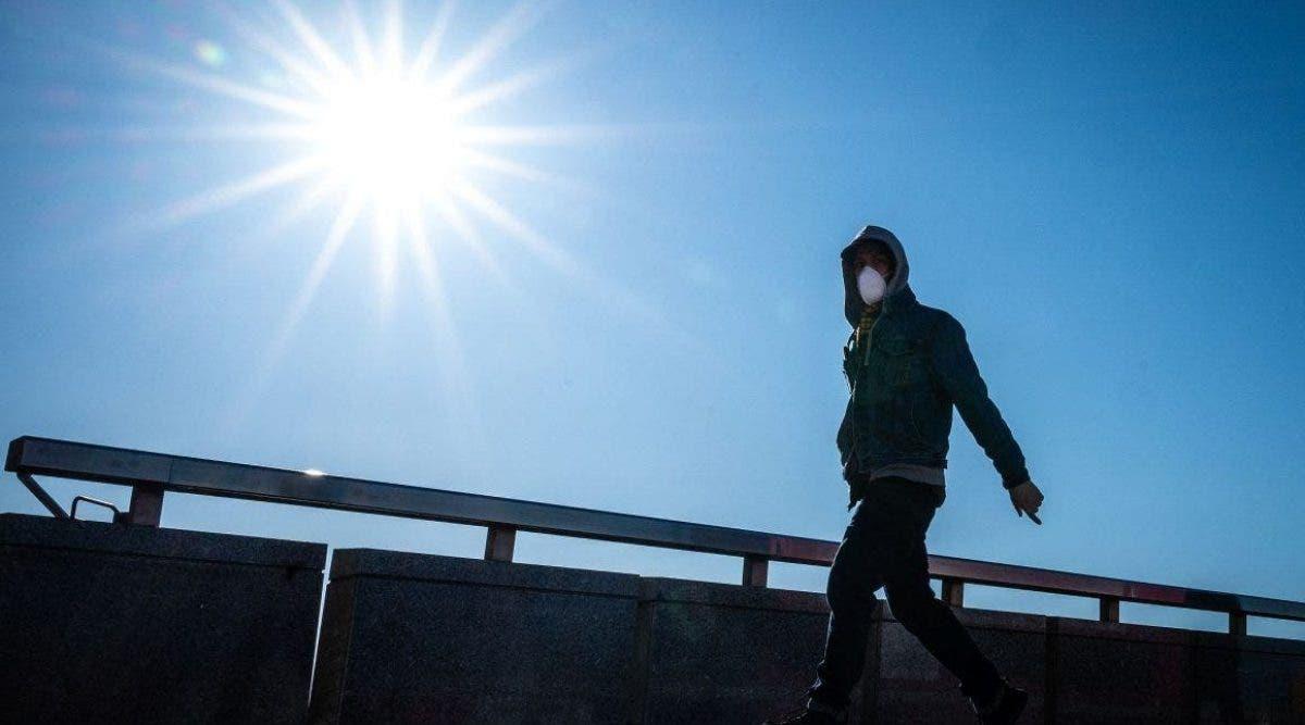 Le coronavirus pourrait-il vraiment être tué par temps chaud? Les scientifiques pèsent