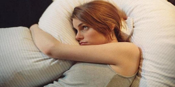 Le manque de sommeil rend moche
