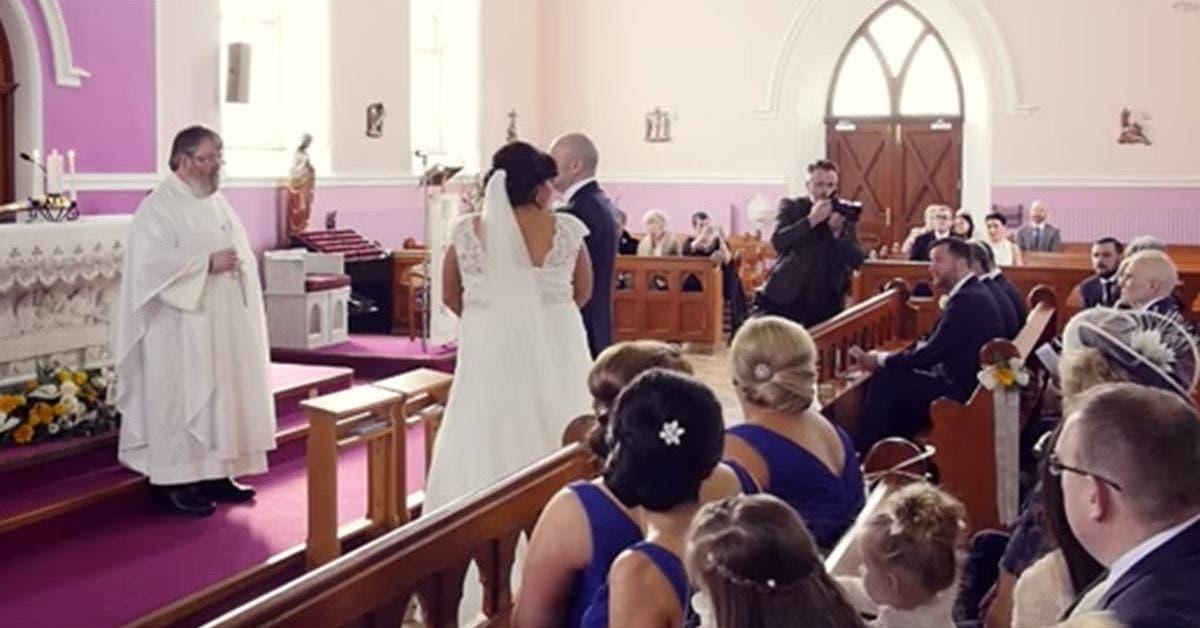 Le mariage est interrompu par une voix qui vient du fond