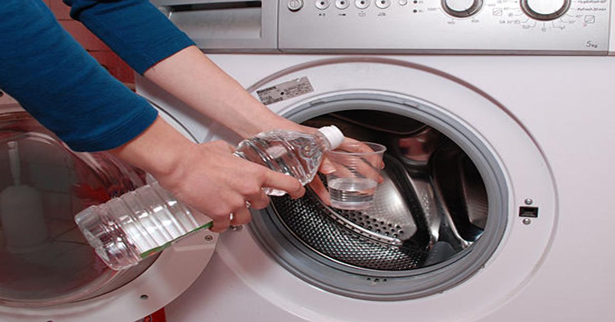 Le vinaigre blanc est le meilleur ami de la machine à laver : 6 raisons de l'utiliser