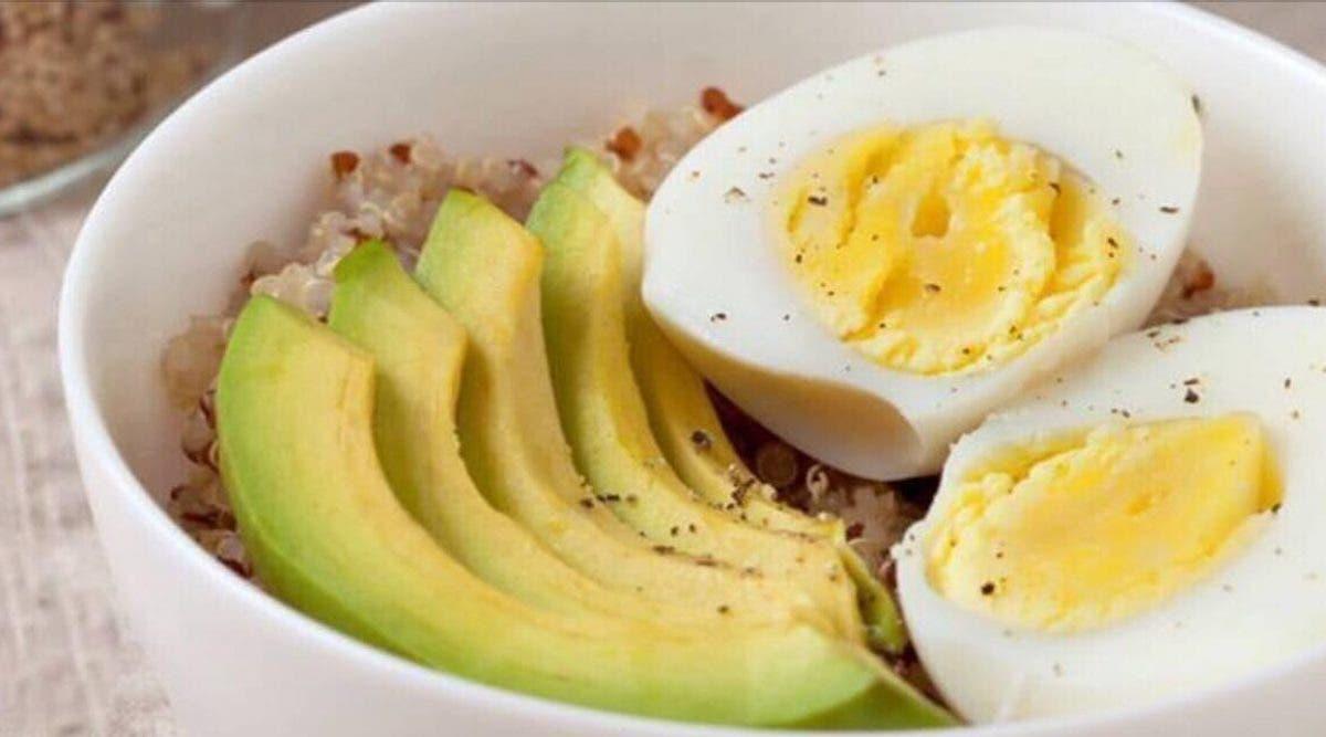 est ce que manger le petit déjeuner vous aide à perdre du poids