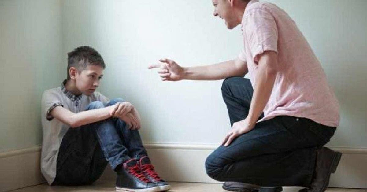 Les médecins affirment que le fait de crier sur vos enfants peut causer de nombreux problèmes mentaux à vos enfants