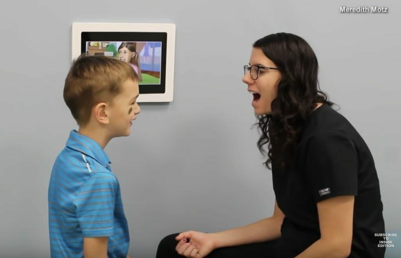 Les parents sont convaincus que leur enfant de 6 ans ne peut pas parler, jusqu'à ce qu'il aille chez le dentiste.