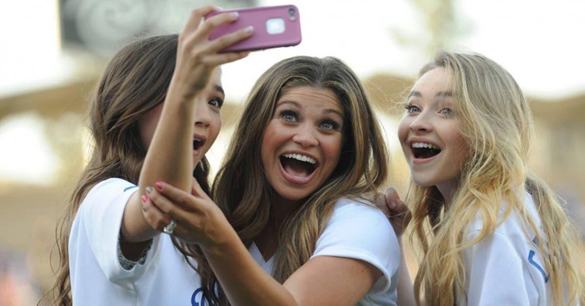 Les personnes addicts aux selfies sont officiellement considérées comme malades mentaux