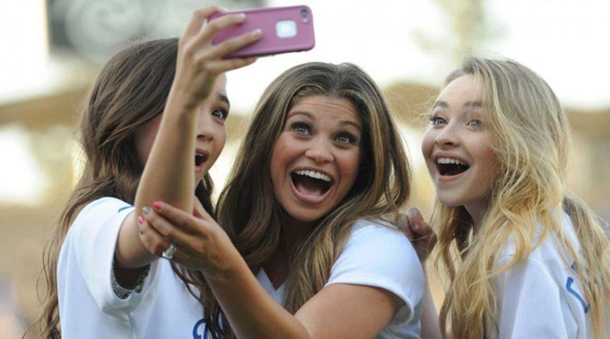 Les personnes addicts aux selfies sont officiellement