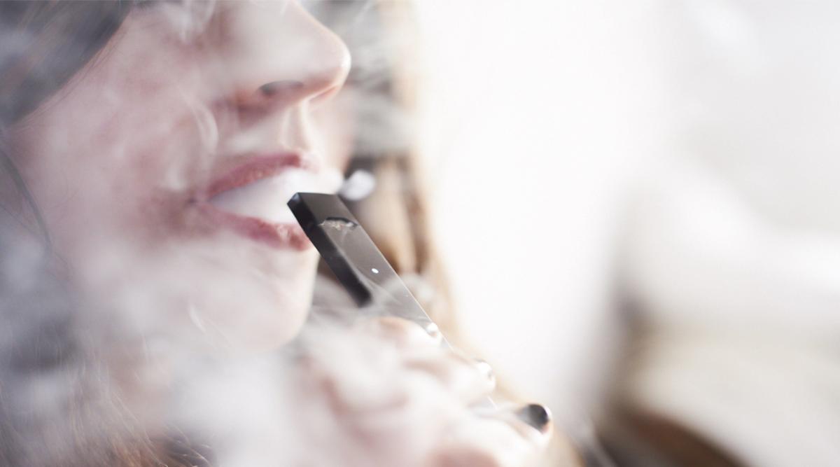 Les scientifiques affirment que la cigarette électronique est aussi nocive pour les poumons que la cigarette