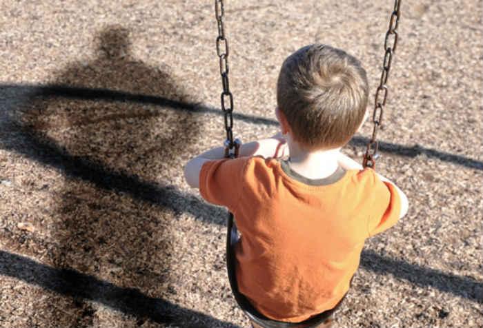Les scientifiques mettent en gardent les parents qui donnent la fessée à leurs enfants