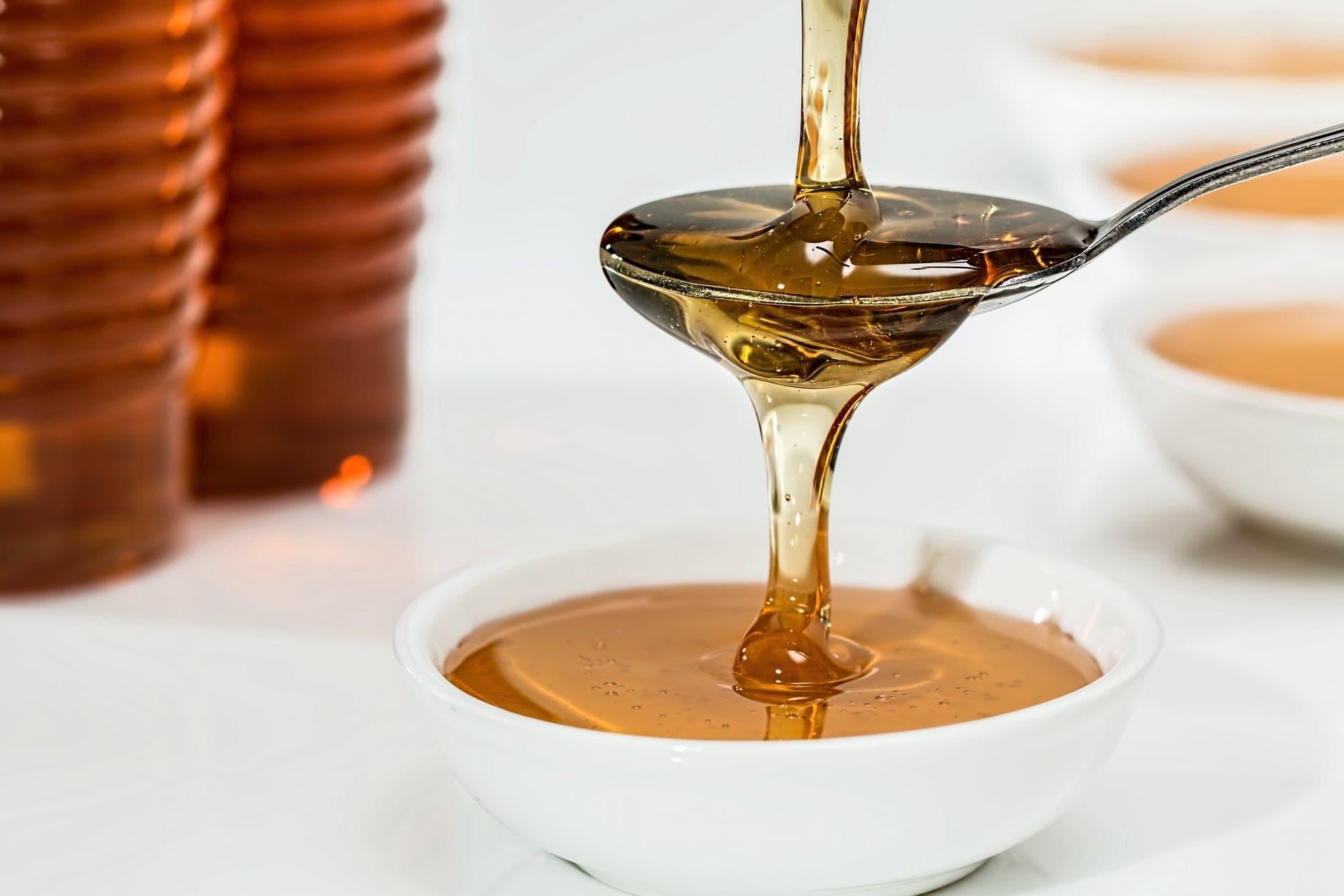 Mélangez de huile de coco et du miel