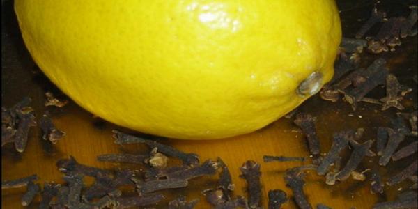 Mélangez du citron et des clous de girofle, c'est un médicament naturel qui soigne 4 maladies