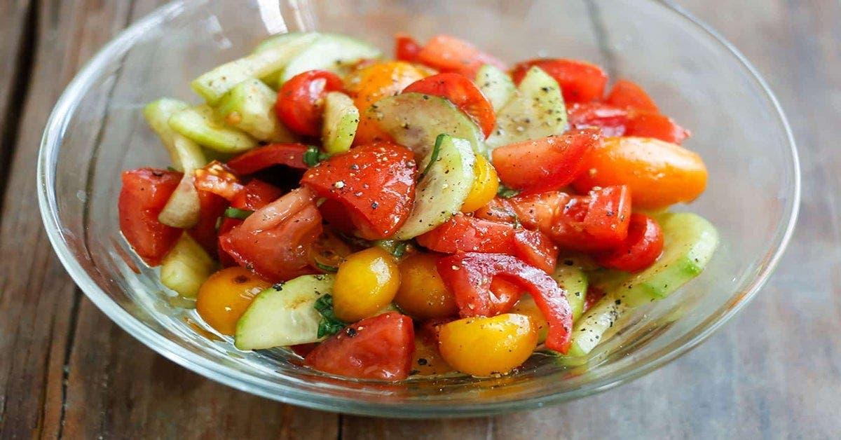 Ne consommez plus les concombres et les tomates dans la même salade