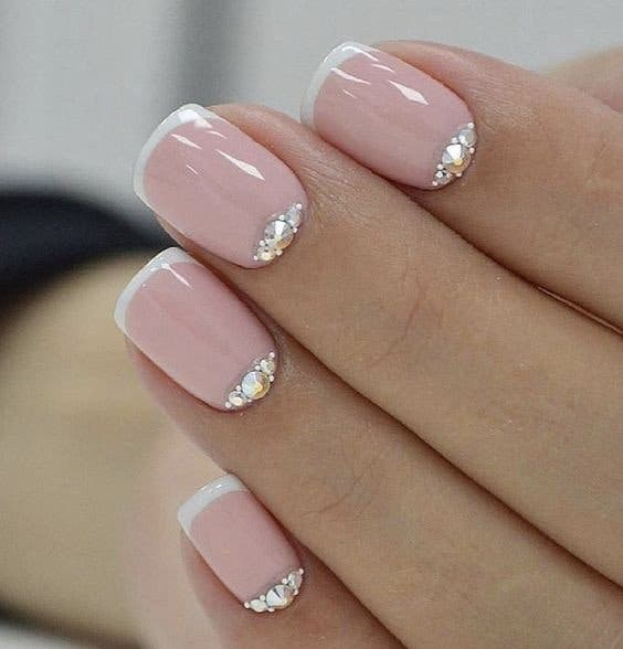 Ongles carres 1