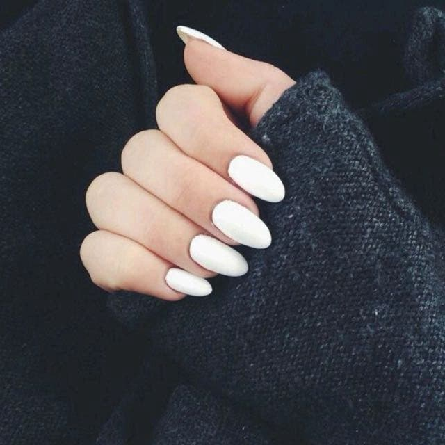 Ongles ovales 1