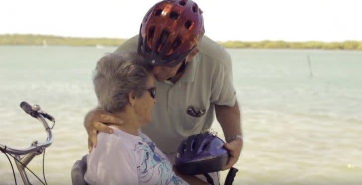 Par amour pour sa femme handicapée