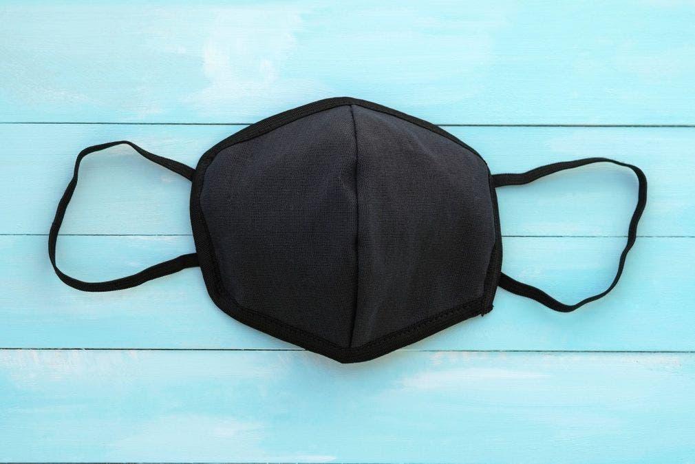 Porter-un-masque-fonce
