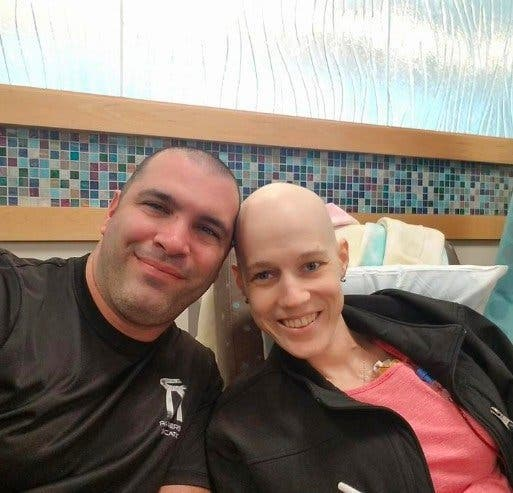 elle épouse l'amour de sa vie malgré un cancer