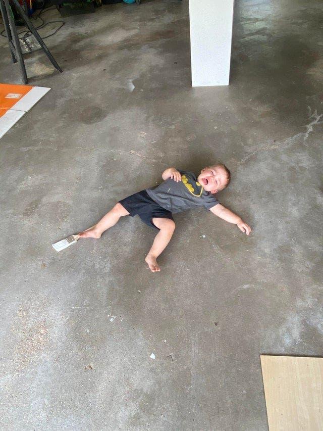 Quand votre enfant ne veut pas se lever du sol
