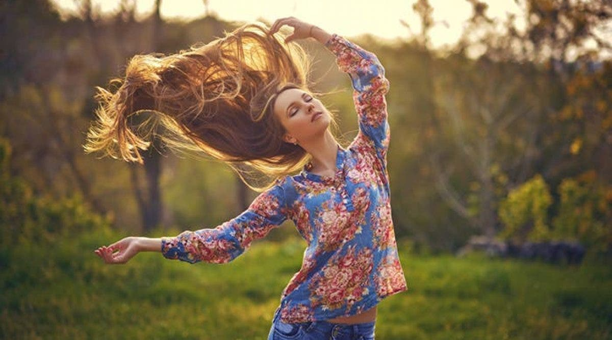 Quelle est la meilleure routine capillaire à adopter pour des cheveux éclatants de santé