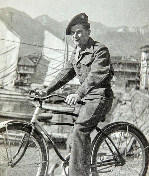Ray Moore à l'armée