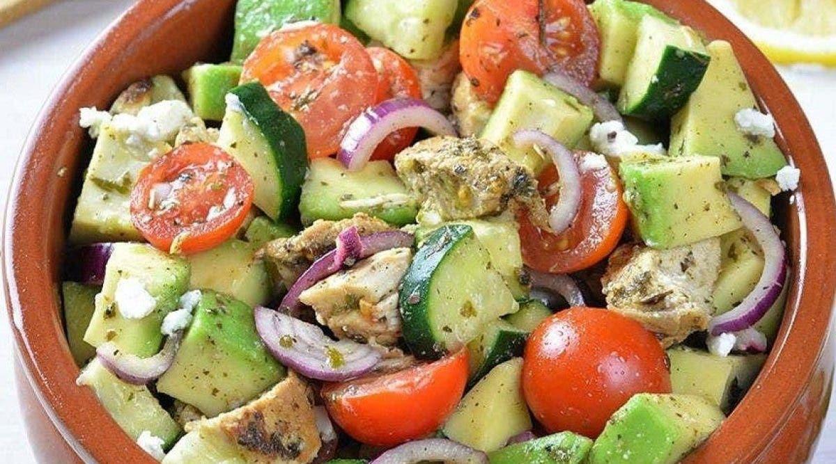 Cette délicieuse salade dégonfle le ventre et fait perdre du poids
