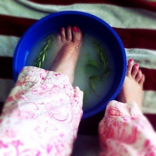 comment soigner les pieds gonfles