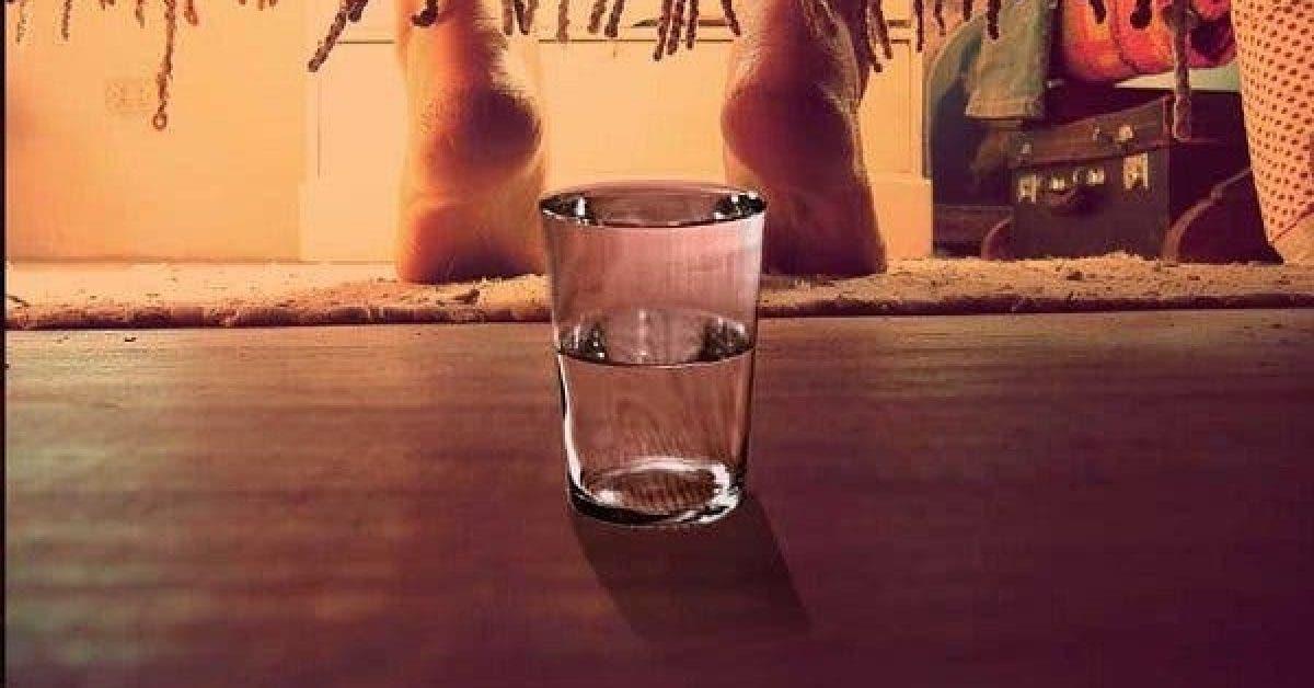 Si vous mettez un verre d'eau sous votre lit chaque nuit, vous serez surpris !