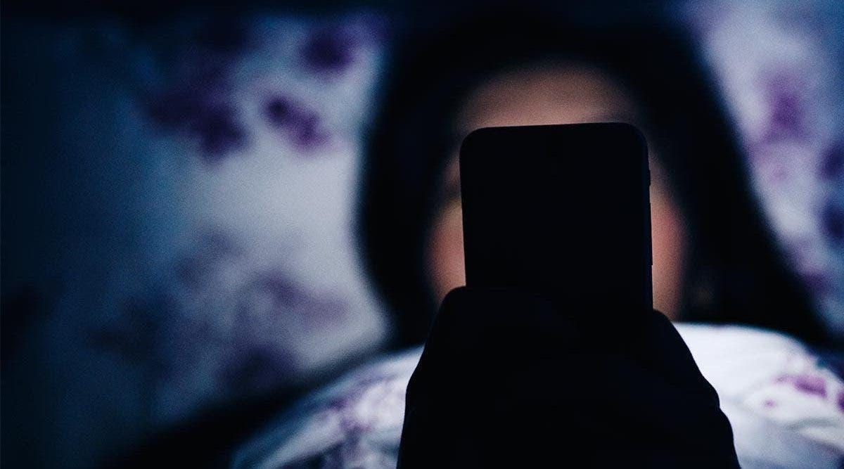 Si vous utilisez votre téléphone portable au lit ! Vous devez absolument connaitre cette information