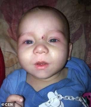 Un bébé de huit mois décède après que sa mère lui ait donné de la vodka pour l'endormir
