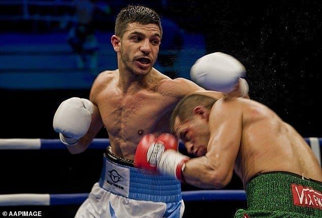 Un champion du monde va donner des leçons de boxe à ce petit garçon pour se protéger du harcèlement