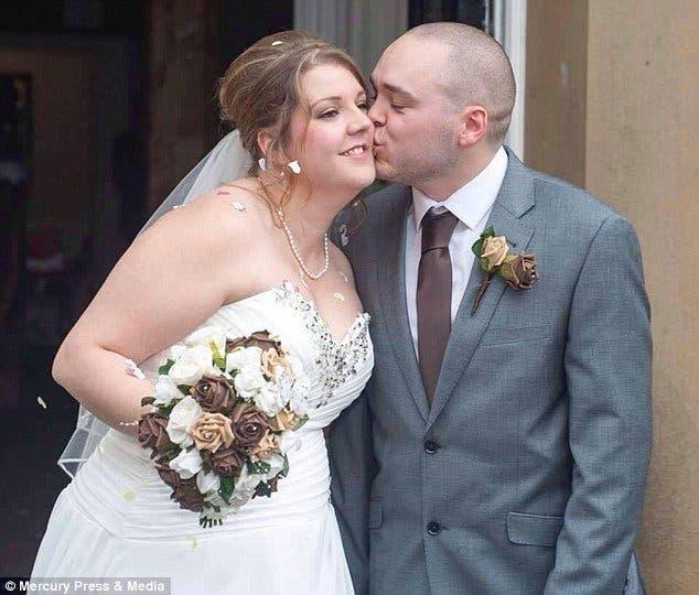 Un couple furieux poursuit en justice le photographe de leur mariage