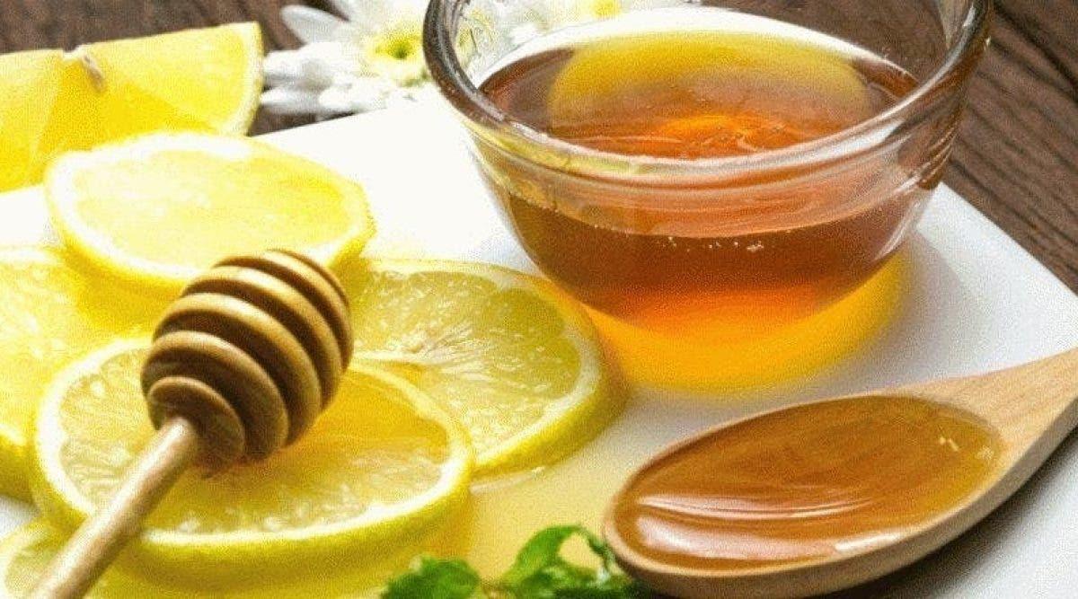 Un élixir au citron et miel qui dégonfle le ventre et soulage votre digestion