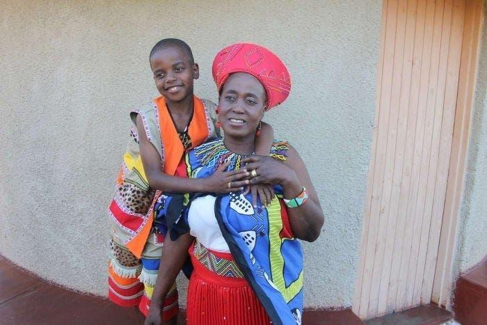 Un enfant de 9 ans se marie avec une femme de 62 ans