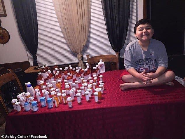 Un garçon de 9 ans éclate en sanglots après avoir terminé son traitement contre le cancer