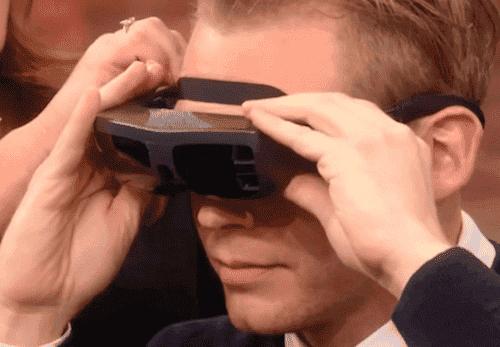 Un homme aveugle voit sa femme pour la toute première fois