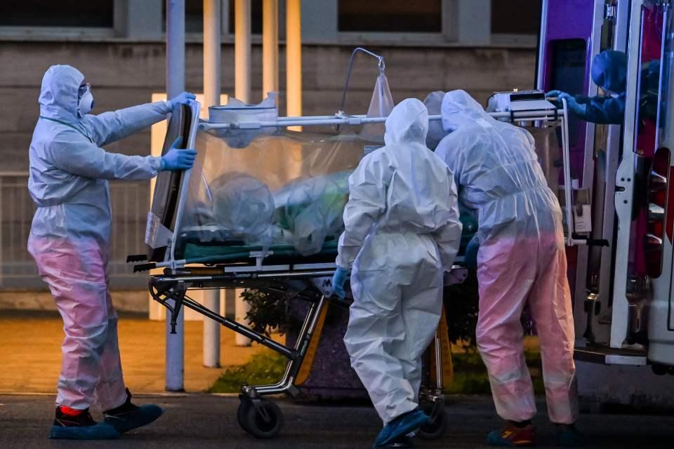 Un mari infidèle attrape le coronavirus en allant voir sa maîtresse