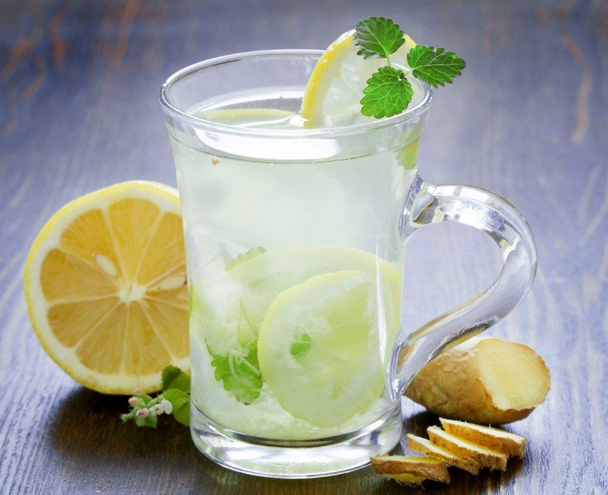 Un médecin affirme que le gingembre et le citron sont la recette parfaite pour perdre du poids