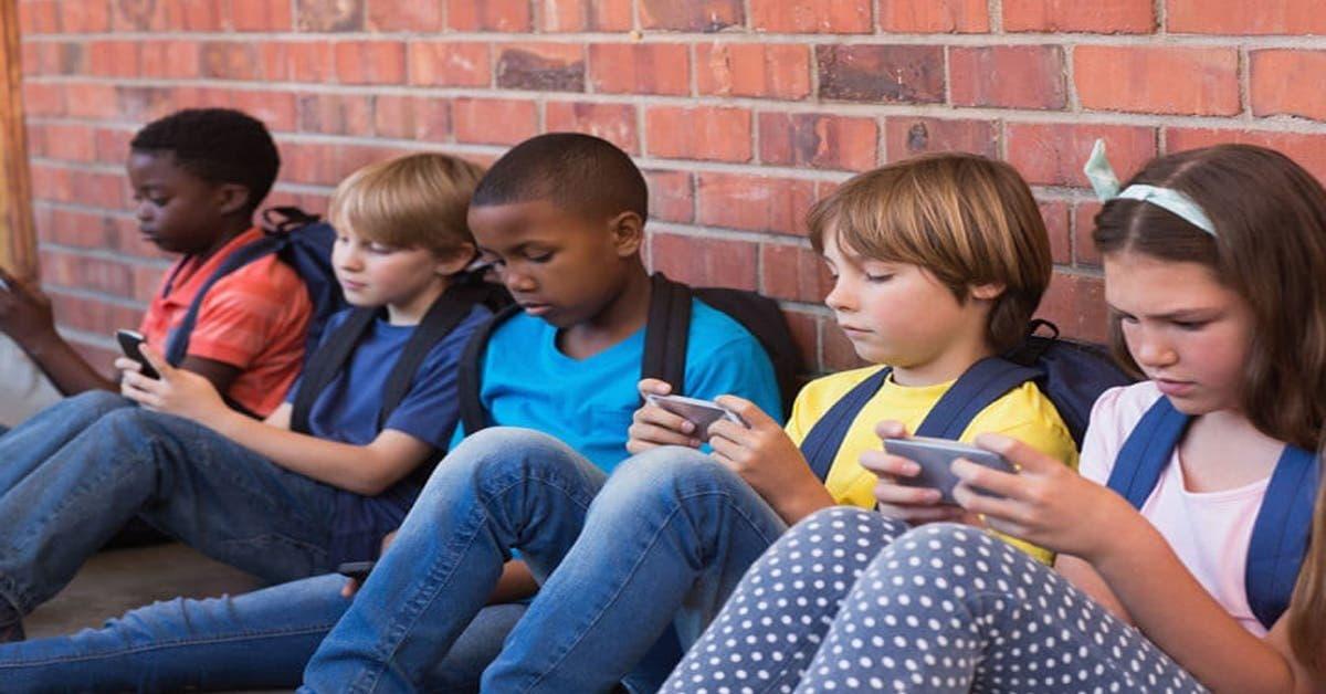 Un papa invente une application qui oblige les enfants à répondre aux appels et SMS de leurs parents
