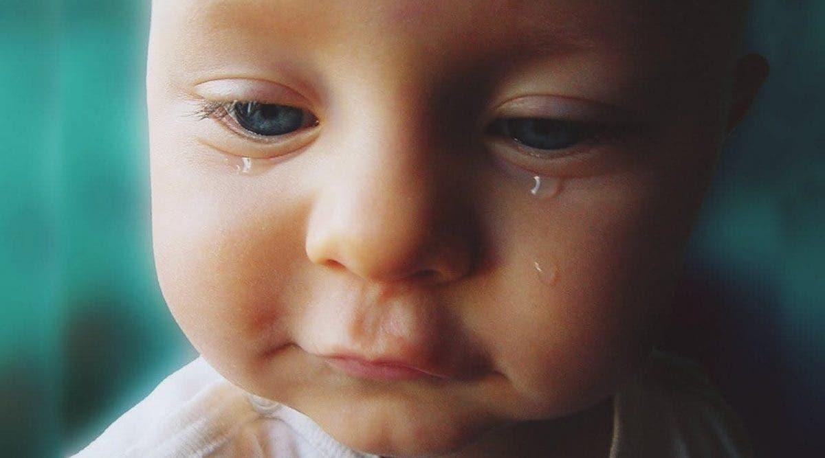 Un père abandonne son bébé sur un banc et le laisse mourir car il est « fatigué de s'occuper de lui »