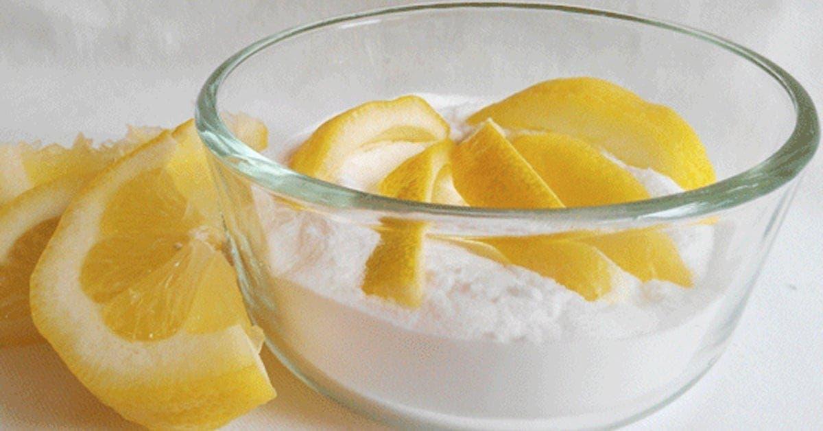 Un remède au bicarbonate de soude et citron pour rendre votre visage éclatant, plus claire, en meilleur santé et sans boutons