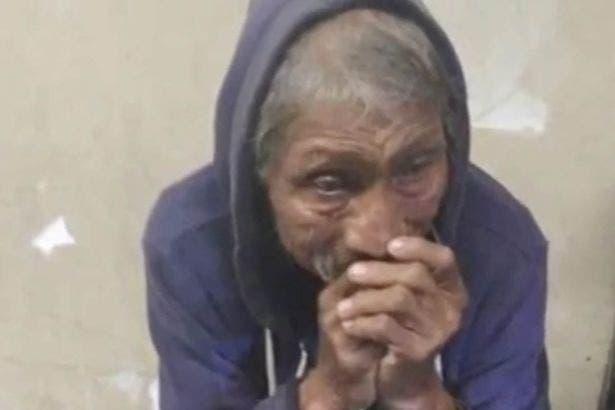 Un sans-abri sauvagement battu pleure avant de mourir avec son chien