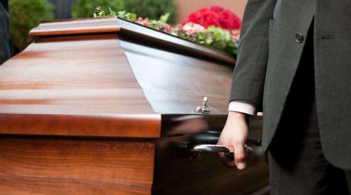 Une femme donne naissance à un bébé...10 jours après sa mort dans son cercueil !