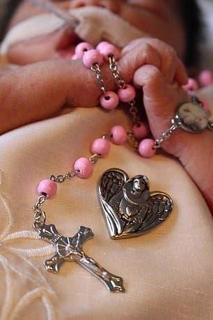 femme enceinte frappé à l'estomac