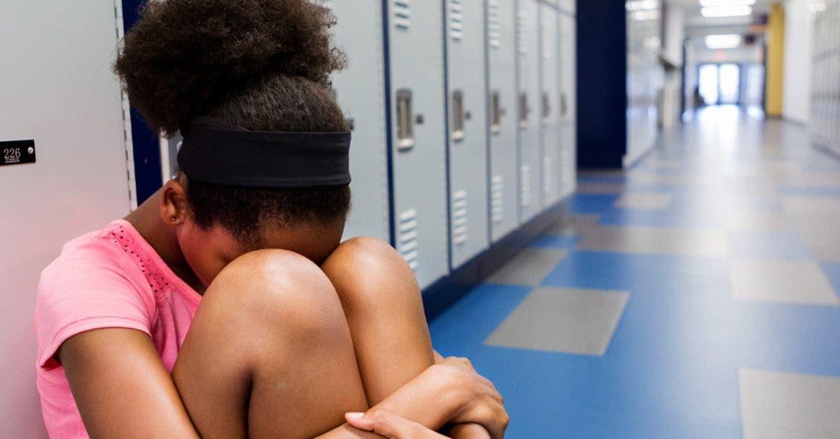 Une fille de 13 ans est vendue pour du sexe à plus de 100 hommes en moins d'un mois
