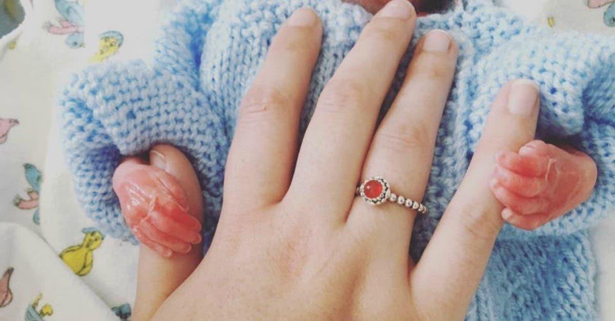 Une maman au cœur brisé partage des photos de son bébé mort-né