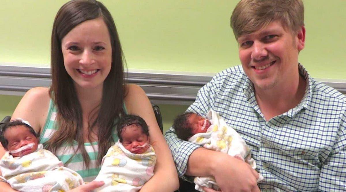 Une maman de couleur blanche donne naissance à des triplets noirs