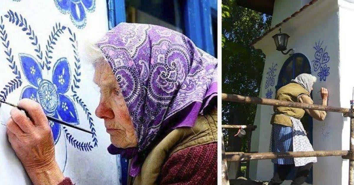 Une mamie de 90 ans transforme un petit village en galerie dart en peignant des fleurs sur ses maisons 1