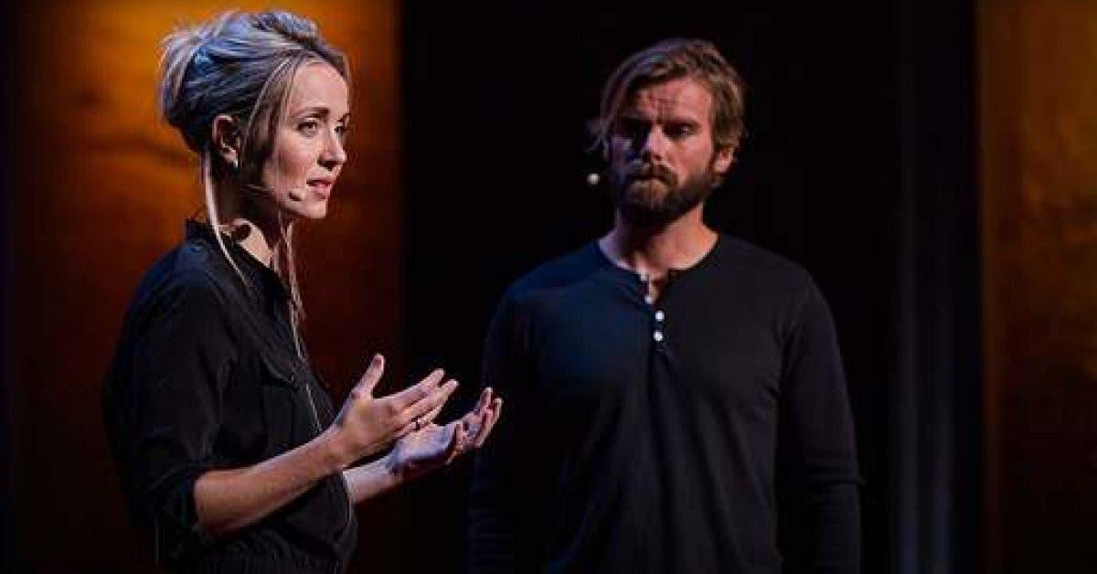 Une survivante de viol monte sur scène avec son violeur pour raconter leur histoire