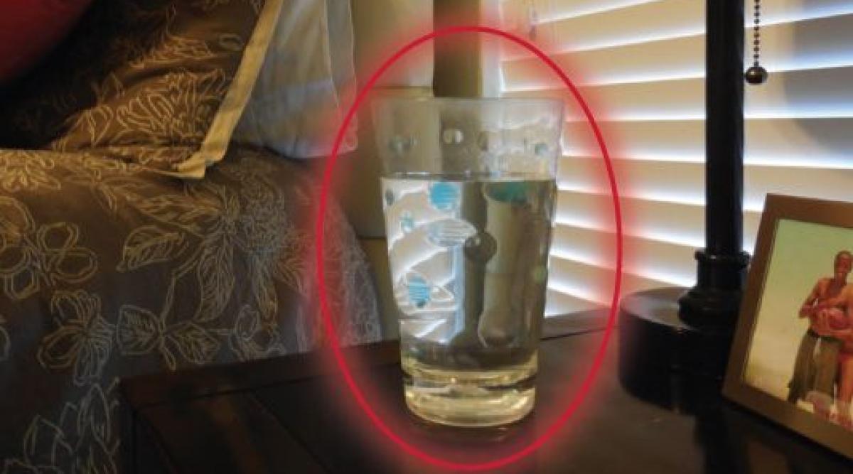 Voici comment détecter des énergies négatives dans votre maison en utilisant seulement un verre d'eau